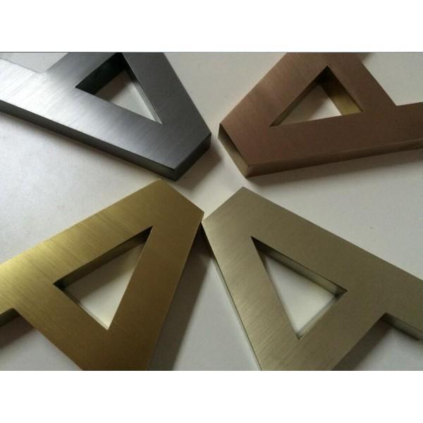不鏽鋼/亞架力膠 立體字